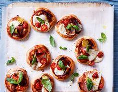 Unser beliebtes Rezept für Italienische Pizzettas und mehr als 55.000 weitere kostenlose Rezepte auf LECKER.de.