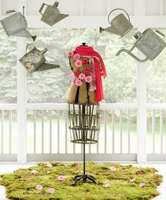 Things We Love: Mannequins april showers! Antique dress form decorated with pink flowers and scarf. This whole display is not complicated but really a pretty eye catching visual. Display Shop, Display Design, Store Design, Display Ideas, Design Design, Spring Window Display, Store Window Displays, Display Windows, Retail Displays