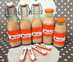 Kinderschokoladen-Likör ohne Ei, ein tolles Rezept aus der Kategorie Resteverwe… Children's chocolate liqueur without egg, a great recipe from the category residual use. Smoothies For Kids, Healthy Smoothies, Smoothie Recipes, Drink Recipes, Party Drinks, Cocktail Drinks, Egg Recipes, Great Recipes, Cocktail Simple