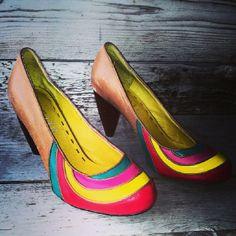 Siem Fuerza  22 uur . https://www.facebook.com/c4cvintage.nl sexy high heels #c4cvintage #vintagewearhouse