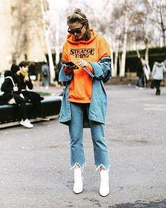 O cool é isto  E os melhores looks de streetstyle da semana de moda de Londres estão no link da bio   via ELLE PORTUGAL MAGAZINE OFFICIAL INSTAGRAM - Fashion Campaigns  Haute Couture  Advertising  Editorial Photography  Magazine Cover Designs  Supermodels  Runway Models