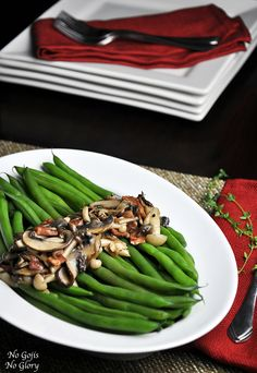 Sauteed Mixed Mushrooms with Green Beans - No Gojis, No Glory Healthy Side Dishes, Healthy Snacks, Healthy Recipes, Healthy Habits, Vegetarian Mushroom Recipes, Thing 1, Side Recipes, Quick Meals, Green Beans