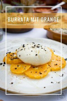 Burrata ist für uns der bessere Mozzarella. Wir haben seine Cremigkeit genutzt und ein wenig mit Orange und Lavendel gespielt.