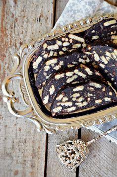 Gyors, kekszes őzgerinc - sütés nélkül - Rupáner-konyha Hungarian Desserts, Sweet Dreams, Cupcake, Traditional, Hungarian Recipes, Cupcakes, Cupcake Cakes, Cup Cakes, Muffin