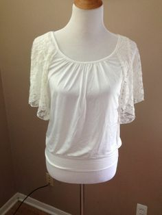 Heart Soul Cream Poly/Spandex Shirt with Lace Batwing Sleeves Size M