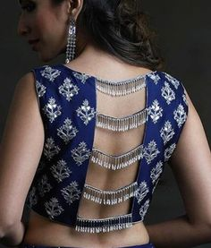 Latest Blouse Designs 2019 - Designer Blouses Design Photos Find a variety of latest blouse designs 2020 photos for bride & women at Shaadidukaan. Here you will get a large collection of designer bridal blouses designs you have never seen before. Blouse Back Neck Designs, Fancy Blouse Designs, Bridal Blouse Designs, Traditional Blouse Designs, Choli Designs, Lengha Blouse Designs, Blouse Designs Catalogue, Sari Design, Ethnic Design