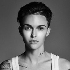 Ruby Rose, égérie Maybelline et actrice dans la série Netflix Orange is the new black