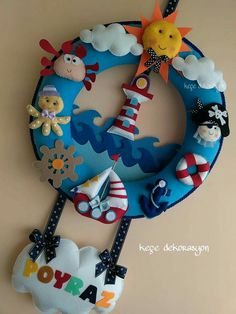 Baby Crafts, Felt Crafts, Diy And Crafts, Baby Sewing Projects, Diy Craft Projects, Name Decorations, Felt Name Banner, Felt Wreath, Felt Baby