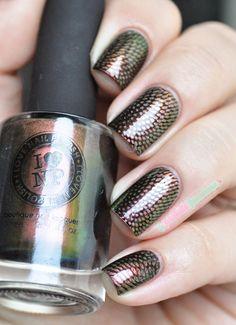 ILNP Nostalgia black stamping nailart