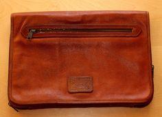 "Minimalist Real Vintage Leather Briefcase Made in Italy ""Equipe 2"" Cartella Portadocumenti Notebook in Pelle Marrone Vintage"" EQUIPE 2 "" di BeHappieWorld su Etsy"