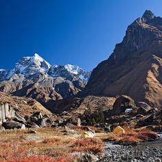The Har-Ki-Dun Trek in the Himalayas passes through alpine meadows, moraine ridges, glacier basins, conifer forests and Himlayan villages https://www.triphippie.com/home/244-har-ki-dun-trek-in-winter.html