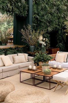Lounge Decor, Lounge Seating, Lounge Areas, Wedding Lounge, Garden Party Wedding, Table Setting Design, Palm Beach Decor, Daytime Wedding, Garden Cafe