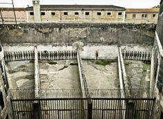 Lyon - Désaffectée depuis 2009, la prison Saint-Paul a « ouvert » une dernière fois en septembre 2012 pour les journées du patrimoine.