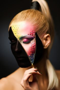 Unzipper to reveal a spectrum of crystals and make-up.
