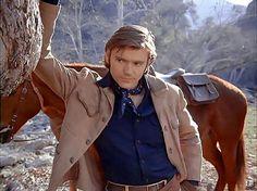 Pete Duel as Hannibal Heyes