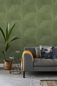 Store Blade mørkegrøn - tapet - m - fra Tapetcompagniet Wall Design, House Design, Living Room Green, Home Trends, Mid Century Decor, Home Bedroom, Textured Walls, Wall Colors, Decoration