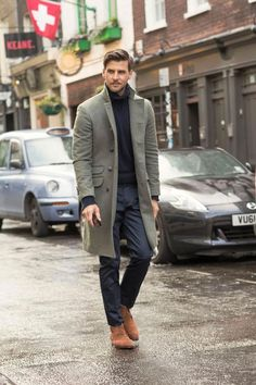 A grey overcoat and navy dress pants are a truly stylish ensemble to try. If you want to easily dress down this outfit with one item, why not complete this ensemble with a pair of brown suede desert boots? Mens Fashion 2018, Latest Mens Fashion, Fashion Mode, Style Fashion, Fashion Brand, Fashion Ideas, Older Mens Fashion, Fashion Check, Fashion Blogs