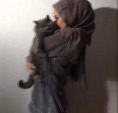 ●Mehfâm Source by iirkokan Modest Fashion Hijab, Hijab Style Dress, Niqab Fashion, Hijab Chic, Hijab Outfit, Muslim Girls, Muslim Couples, Muslim Women, Muslim Tumblr
