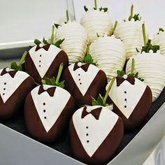 manzanas cubiertas de chocolate blanco | Fresas cubiertas de chocolate para bodas.