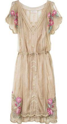 Be Romantic | Matthew Williamson Lace Pearl Dress