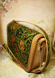 Hand-tooled leather bag, handcarved handbag, tooled purse, leather handbag with hand-carved and hand-painted floral pattern, sheridan bag KHATVZALDR Leather Tooling, Leather Purses, Tooled Leather, Leather Bags, Leather Carving, Wood Carving, Denim Handbags, Leather Handbags, Purple Leather