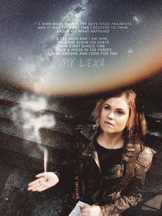 Clexa for life. Lexa The 100, The 100 Clexa, The 100 Poster, Lexa E Clarke, The 100 Quotes, Commander Lexa, The 100 Show, Sci Fi Shows, Cw Series