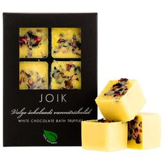 White chocolate bath truffles for dry skin by Joik. Available at Douglas.