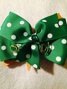 Green polka Dot Bow by HelgasHairBowDesigns on Etsy