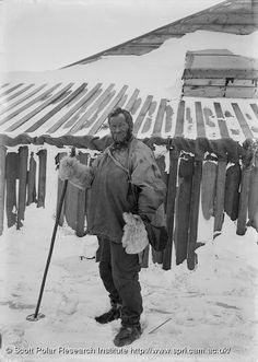 What did Ernest Shackleton wear?