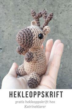 Gratis hekleoppskrift på et søtt reinsdyr - hos Katrineklarer. #gratis #hekling #hekleoppskrift #heklet #reinsdyr #amigurumi #bamse