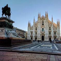 Duomo Milano #december #milano #beniculturali30 #morning #goodday #goodjob #italy #italia #piazzeitaliane #ig_italia #igersitalia #ig_europe #ig_milano