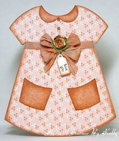 Dress card--use this to draw a simple dress design onto scrapbook paper--add pockets, collar and buttons. Glue onto cardstock to make it stiffer. Fiesta Baby Shower, Baby Shower Cards, Baby Cards, Kids Cards, Baby Shower Invitaciones, Dress Card, Shaped Cards, Dress Shapes, Cute Cards