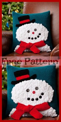 These crochet Christmas Gift Pillows are soft and comfortable, and you can crochet some of them to add some festive colors to your house! Crochet Christmas Cozy, Crochet Santa, Crochet Snowman, Christmas Pillow, Free Crochet, Christmas Items, Christmas Crafts, Christmas Wreaths, Merry Christmas