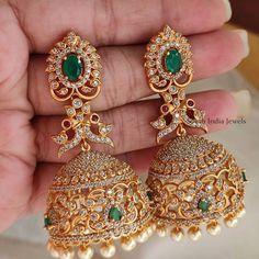 Gold Jhumka Earrings, Gold Bridal Earrings, Jewelry Design Earrings, Gold Earrings Designs, Gold Jewellery, Antique Jewellery Designs, Gold Ring Designs, Gold Bangles Design, Gold Buttalu