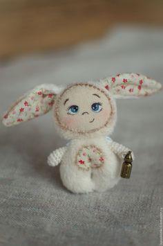 """Купить Текстильная игрушка Лапушистики """"Ясельная группа"""" - белый, молочный, текстильный зайчик, зайчик"""