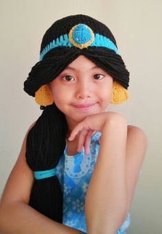 Princesas disney a crochet Sombrero A Crochet, Crochet Beanie, Cute Crochet, Crochet For Kids, Crochet Baby, Knitted Hats, Crochet Princess Hat, Crochet Wigs, Kids Wigs