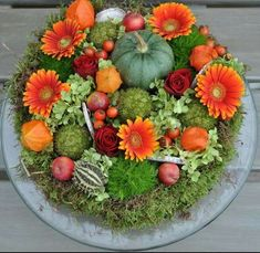 Very Pretty! Deco Floral, Arte Floral, Seasonal Decor, Fall Decor, Garden Workshops, Fall Arrangements, Autumn Crafts, Fall Projects, Autumn Garden