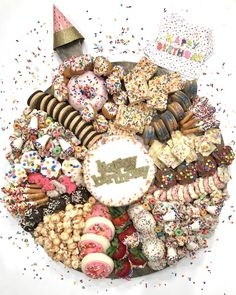 Birthday dreams do come true with this amazing Birthday Dessert Board covered in every sweet, sprinkled treat you could wish for! Party Food Platters, Party Trays, Food Trays, Party Snacks, Birthday Snacks, Birthday Recipes, Easy Birthday Desserts, Party Desserts, Mini Desserts