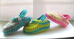 I just want to by the gray and teal!  Crochet Baby Booties Pattern pdf pattern by CrochetBabyBoutique