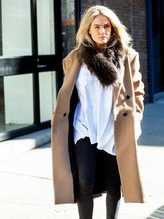 Brooke Testoni, Australian blogger