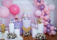 Esta festa com o tema Sereia ficou um arraso!💕 By: Styling Birthday cakes and other mini desserts Fresh flowers Balloons Custom wallpaper Donuts Cookie pops Props Custom lolliepops Macaron tower Custom cake toppers Berry tower Cake pops Suitcase Mermaid Bridal Showers, Bridal Shower Cakes, Mermaid Parties, Kids Party Decorations, Party Ideas, Theme Ideas, Diy Party, Macaron Tower, Custom Cake Toppers