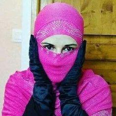 Muslim Girls, Arab Girls, Niqab Fashion, Hijab Niqab, Beautiful Hijab, Alternative Fashion, Feminine, Boho, Gloves