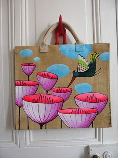 Result of the picture for decoration in cloth bags Painted Canvas Bags, Fabric Paint Designs, Jute Bags, Fabric Bags, Cloth Bags, Fabric Painting, Handmade Bags, Purses And Bags, Burlap