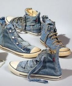 Ecouterre shows off 7 unexpected ways to recycle old denim jeans in a stunning photo gallery. Two of my favorites are pictured here. Above are denim Sneakers Mode, Sneakers Fashion, High Top Sneakers, Converse Style, Converse Shoes, Reuse Jeans, All Star, Creative Shoes, Denim Ideas
