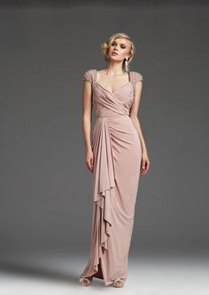 I don't care how reminiscent of the 90s it is, I love this color. Aaaand this dress. (Mignon, VM650)