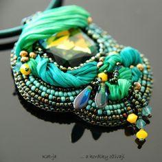 A small piece with my silk. Necklace by Katka Václavíková