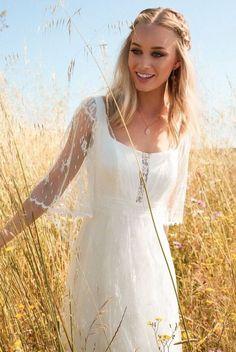 Rembo Styling 2017 Wedding Dress Collection Is Boldly Bohemian - Brautkleider Boho - Vestidos Lace Wedding Dress, Bohemian Wedding Dresses, Hippie Dresses, Perfect Wedding Dress, Bohemian Weddings, Bohemian Bride, Bohemian Fashion, Indian Weddings, Vintage Bohemian