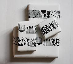 Kanelikaupassa black&white tape