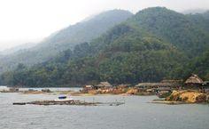 Traveling in northern Vietnam - Hoa Binh lake. www.north-vietnam.com... #vietnam #trekking #travel #wander #hoabinh #wanderings #village #ethnic