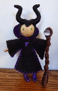 Adorable bendy dolls! The Enchanted Tree: Maleficent and Elsa themed bendy doll and new projects.